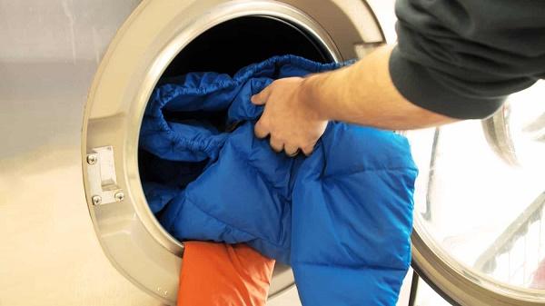 Пуховик в стиральной машине