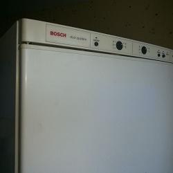 При каких неисправностях у холодильника бош мигает индикатор температуры морозильной камеры