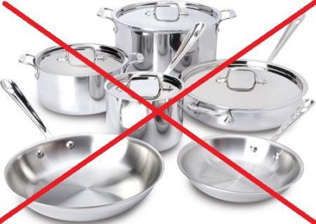 Металлическая посуда в микроволновке