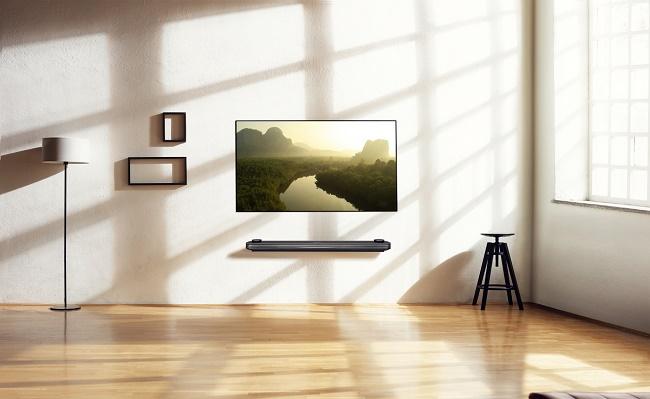 OLED телевизор на стене