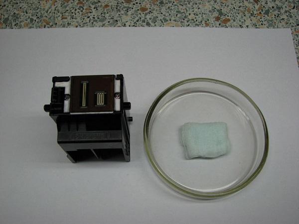 Печатающая головка и емкость с бинтом
