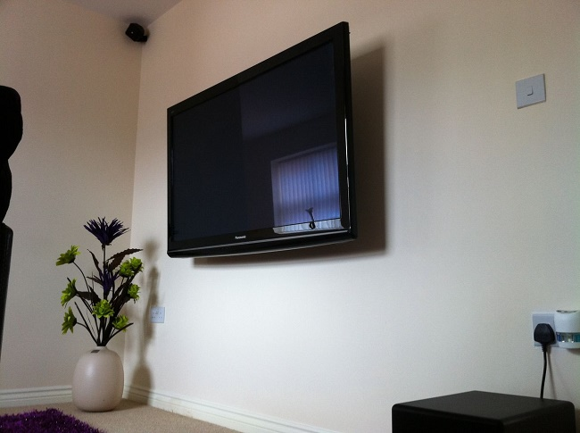 LED экран на стене