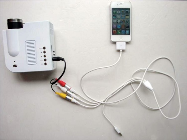 Подключение смартфона к проектору