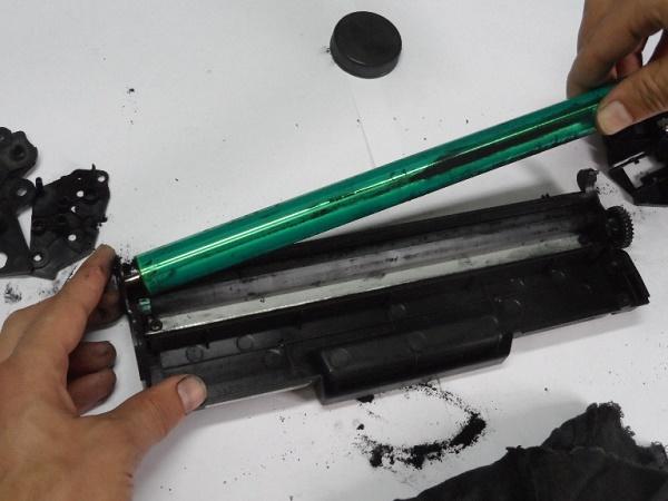 Грязный картридж лазерного принтера