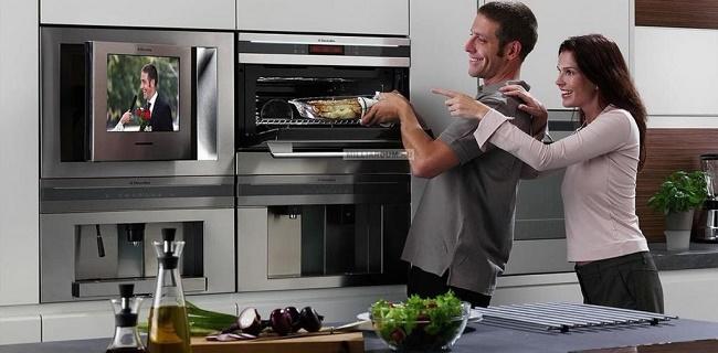 Телевизор в кухне