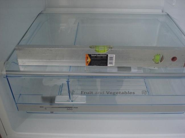 Холодильник по уровню