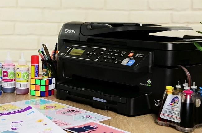 Принтер на столе