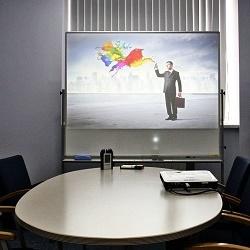 Как выбрать проектор для презентаций в офисе и школе