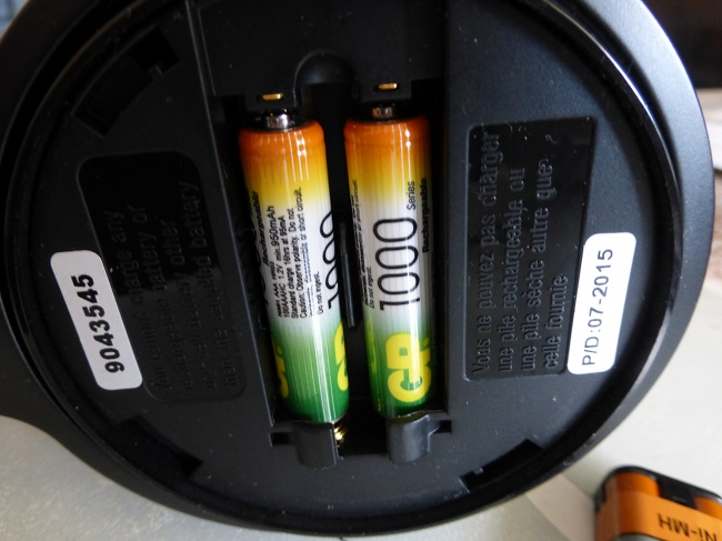 Замена батареек в наушниках