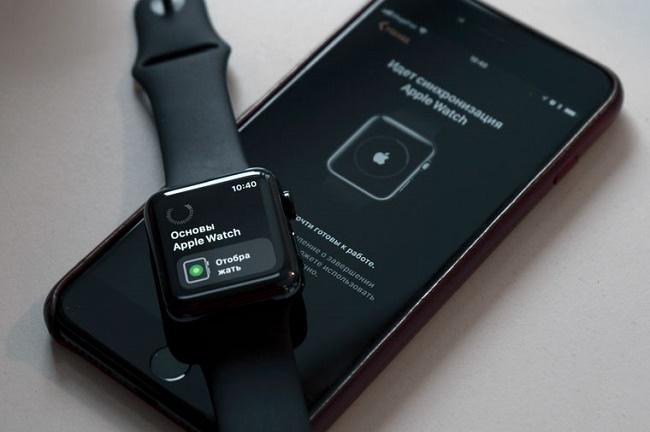 Часы и телефон