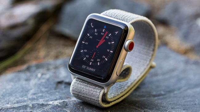 Apple Watch series 3 с тканевым браслетом