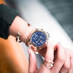 Функционал и особенности смарт-часов Michael Kors