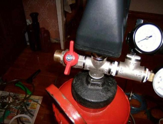монометр и клапан