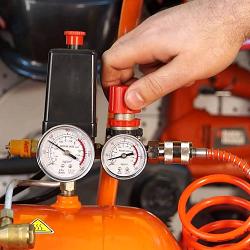 Как обслуживать компрессор и настраивать давление
